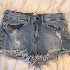 H&M light-wash frayed shorts